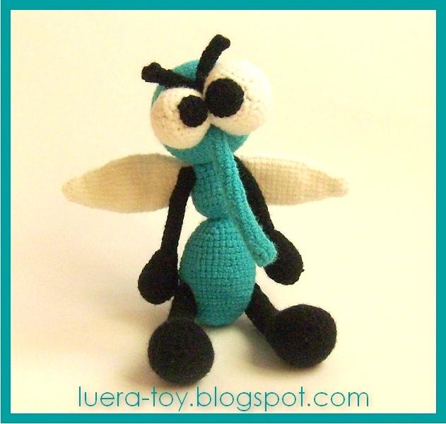 Вяжем комара своими руками